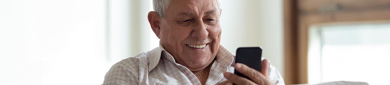 Adultos mayores: conectados a las tecnologías