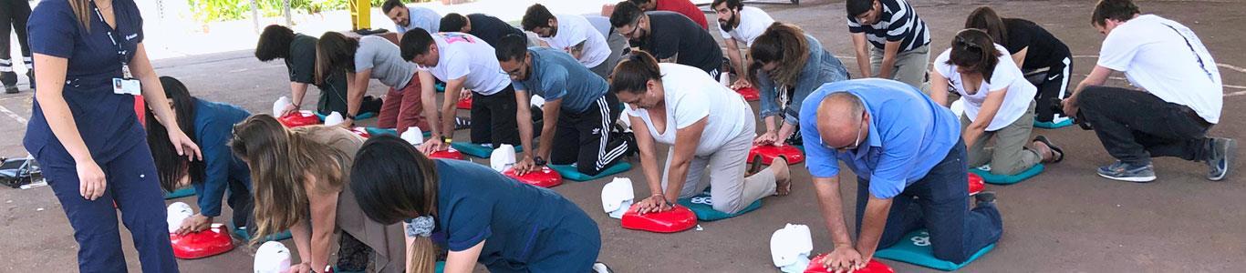 Profesores de Colina aprenden reanimación cardiopulmonar y primeros auxilios