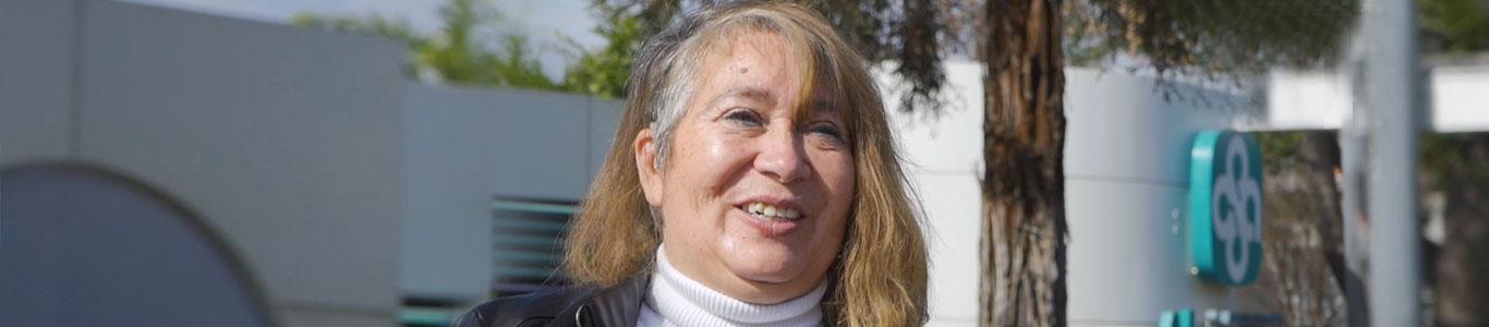 Un implante coclear le devolvió la audición a Liliana Carrasco