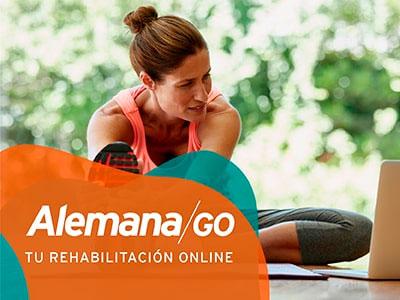 Mujer en Rehabilitación Online de Clínica Alemana