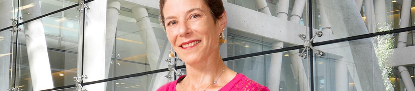 Una cruzada contra el  cáncer de mama en la cumbre más alta