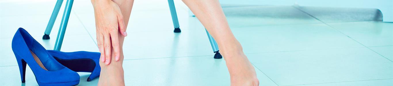 Taco alto y sus efectos en los dedos de los pies