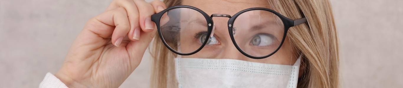 Mascarilla y lentes: ¿Cómo evitar que se empañen?