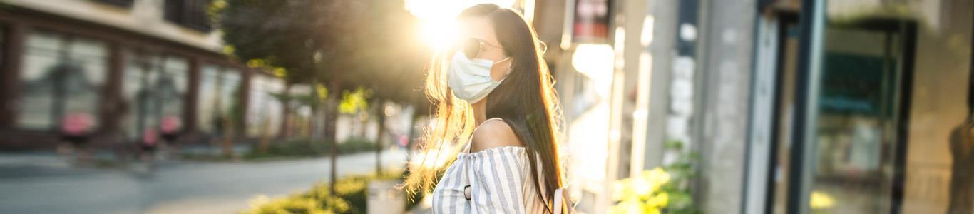 Uso de mascarilla y cuidados de la piel durante el verano