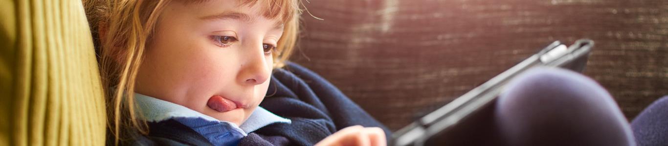 Riesgos de tecnologías asociadas a uso de pantallas en la infancia